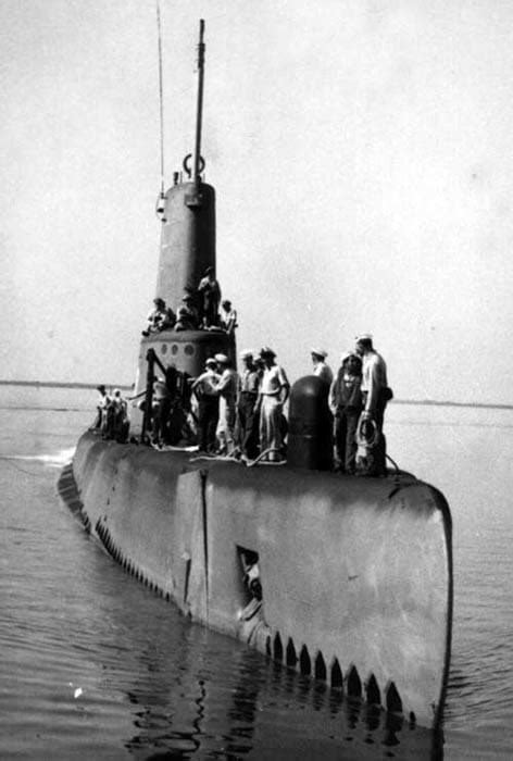 USS CLAMAGORE (SS-343)   Historic Naval Ships Association