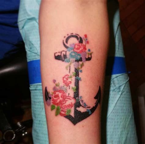 30 Floral Anchor Tattoos For Women - TattooBlend