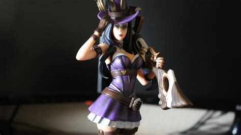 Riot Games Merch League of Legends Caitlyn Statue (Figure