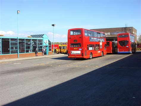 Edgware bus station - Wikipedia