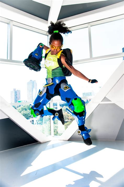 10 Shots of a Crazy, Light-Up Lucio (Overwatch) Cosplay - IGN